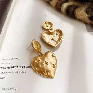 Star ⭐️ Gold Hearts Long Indented Drop Earrings